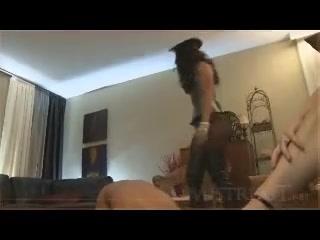 Мужик трахает жену в пизду и жопу - видео для возбуждения